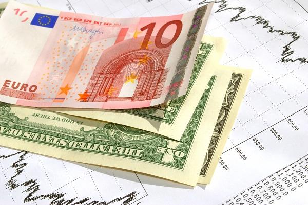Co będzie dalej z euro i dolarem? - Barclays, Deutsche Bank, BofA
