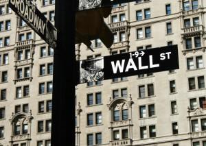 Wall Street spokojna, Europa nerwowa z powodu negocjacji