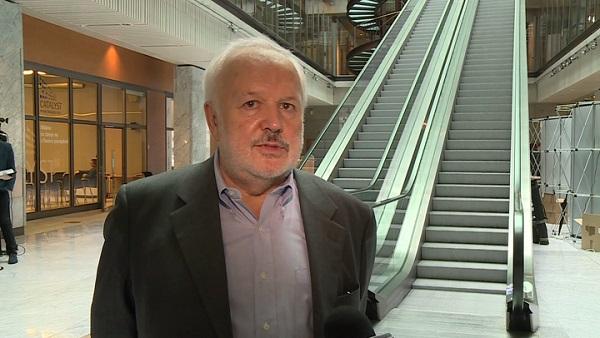 Inwestycje w opcje i kontrakty terminowe mogą zwiększyć wolumen transakcji na warszawskiej giełdzie