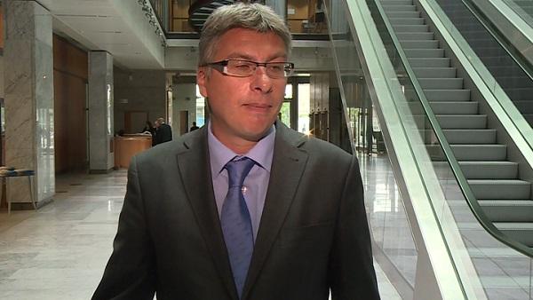 Niewielka zmienność notowań na warszawskim parkiecie zniechęca inwestorów do instrumentów pochodnych