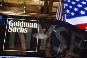Kurs dolara ma spaść do 3,31 zł, euro do 4,30 zł, uważa Goldman Sachs