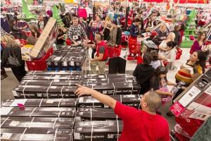 Ludzie wybierają zakupy online z powodu na wygodę