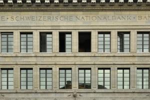 Spadki rozpoczęły się od decyzji SNB