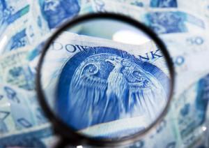 KNF obniżyła bufor na ryzyko portfela walutowego PKO BP do 0,24 pkt proc.