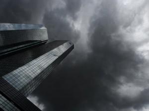 Coraz więcej ciemnych chmur gromadzi się nad siedzibą Deutsche Banku