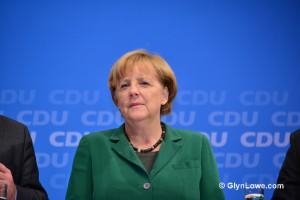 DAX rośnie o 6,2% w miesiąc, a Merkel chce rewolucji polityki gosp.