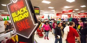 Dzień po Święcie Dziękczynienia Amerykanie popadają w szał zakupowy