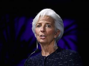 Kurs euro (EUR/USD) czeka na decyzję EBC. Christine Lagarde osłabi eurodolara?