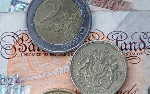 Dwa euro i funt szterling