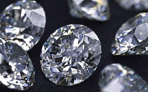 94e4adf6add5dc Diament - wieczna miłość i stabilna opcja inwestycyjna?