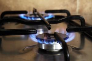 Notowania gazu ziemnego wzrastają wraz z ograniczeniem wydobycia