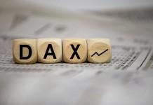 Kostki z napisem DAX