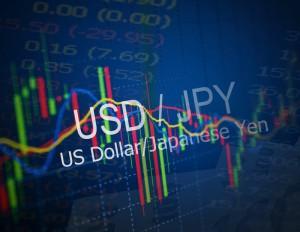 Kurs dolara traci na początku tygodnia. USDJPY z szansą na 200-pipsowy spadek