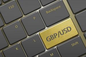 Dolar odrabia wtorkowe straty, kurs funta przykuwa uwagę przez silne spadki