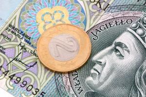 Kurs złotego na miesięcznych minimach. Euro powyżej 4,24 zł, dolar w stronę 3,83 zł