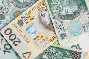 Złoty traci kolejną sesję z rzędu, dolar, euro, funt i frank w górę w czwartek