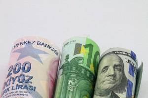 Turecka lira (TRY) dolar amerykański (USD) oraz euro (EUR)