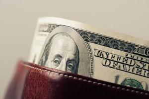 Dolar amerykański (USD) kontynuuje wzrosty. Indeks dolara (DXY) odbija się od wtorkowego dołka