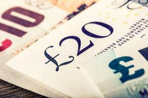Poranny przegląd rynków: Kurs funta (GBP) przed decyzją BoE