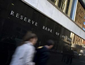 Kurs dolara AUD/USD odbija od dołków czekając na cięcie stóp RBA - prognozy dużych banków