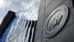 SEC oskarża dwóch brokerów o nieuczciwy proceder