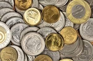 Polskie monety tworzące stos