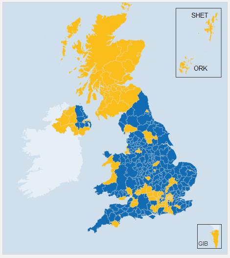 Na niebiesko zaznaczono okręgi w których większość głosów opowiadała się za Brexitem. Żółty oznacza przewagę euroentuzjastów. |źródło: www.bbc.com