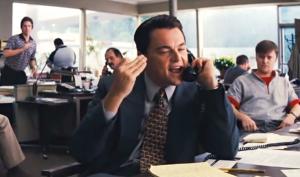 Scena z filmu Wilk z Wall Street