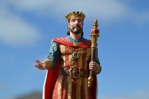 king-1267710_640