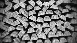 Cena złota i kurs srebra w dół i w górę przez Covid-19