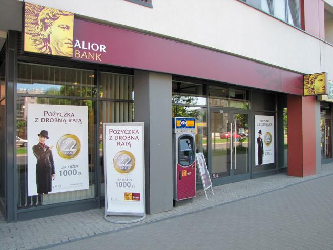 Alior Bank wprowadza kredyt pod inwestycje w OZE. Kurs odbija od wsparcia