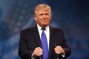 Kurs dolara oczami JPMorgan: Inwestorzy nie wierzą w zwycięstwo Donalda Trumpa w wyborach