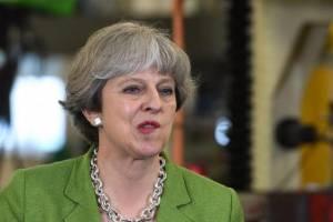 Theresa May nie rezygnuje z brexit