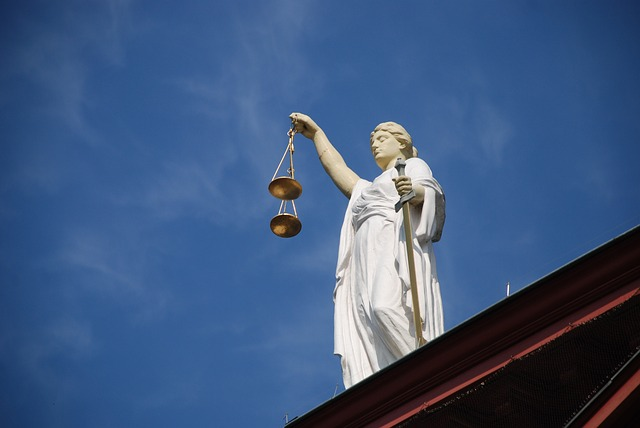 Czeka nas Polexit? Projekt PiS ws. ustroju sądów sprzeczny z prawem europejskim