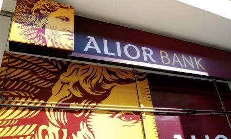 Alior Bank z atakiem na opór przy 17 zł. Spółka rozszerza bankowość internetową