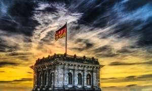 Kurs euro dalej tonie! Niemiecki sąd uznał QE za niezgodne z prawem