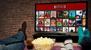 Oglądanie Netflixa w domu