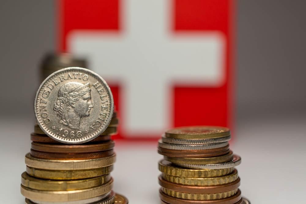 EUR/CHF w doskonałym miejscu na odbicie. Stratedzy Credit Suisse sugerują jednak dalszy spadek notowań