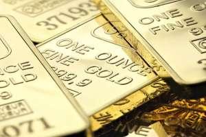 Cena złota (XAU/USD) blisko 2070 dol. za uncję. Obywatele, którego kraju posiadają go najwięcej?