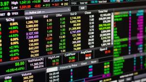 Wall Street i bitcoin mocno w dół, kursy walut na Forex jednak niewzruszone