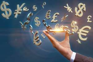 Symbole głównych walut strzelające z ręki