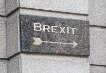 tabliczka z napisem brexit