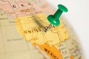 Sprzedaż detaliczna w USA wzrasta o 7,5%. Spółki tracą przez włamania na Twitterze