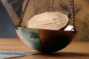 moneta na wadze