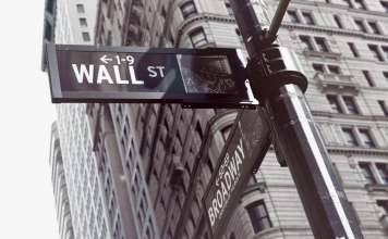 znak Wall Street