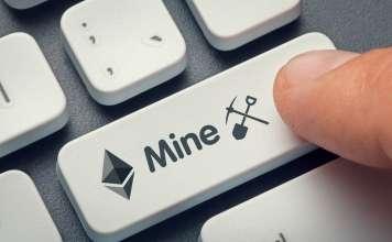 """Przycisk """"mine"""" na klawiaturze oznaczający kopanie i odnoszący siędo krypto"""