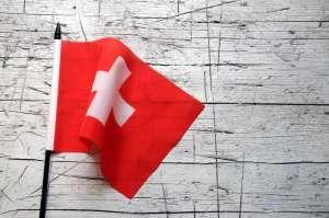 Flaga Szwajcarii na białym tle