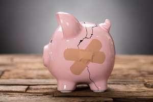 Kurs euro spada w okolice 1,10 USD, polski złoty traci do głównych walut