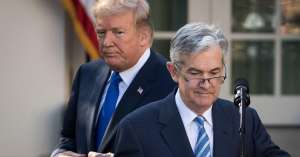 Donald Trump i Jerome Powell (Fed)