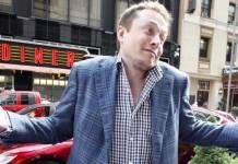 Elon Musk naśmiewa się z amerykańskiego KNFu. Akcje Tesli szaleją